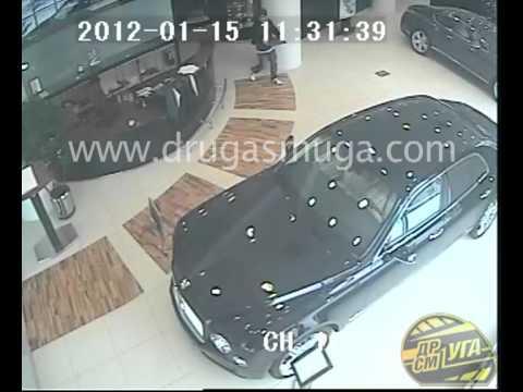 Попытка ограбления салона Bentley в Киеве