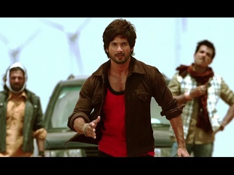 Watch Shahid In Action - R...rajkumar video