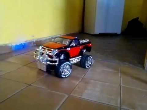 mini pick up com som,suspencao,seta, buzina,barulho de motor, partida freio e re,.mp4