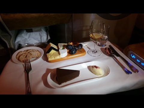 Emirates Business Class A380 : Auckland to Melbourne EK407 *2015 New Version*