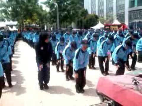 Senamseni Much! putrajaya's Hari Beliaaa video