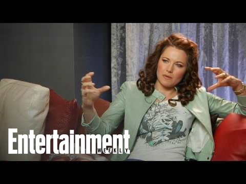 Lucy Lawless gets naked for 'Spartacus'!