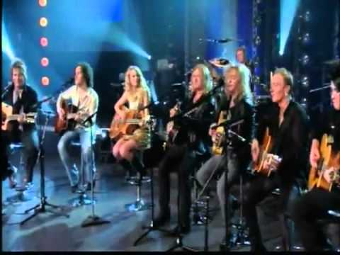 Taylor Swift ft. Def Leppard - Two Steps Behind