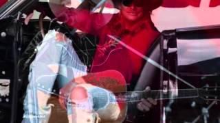 Watch Alan Jackson Listen To Your Senses video