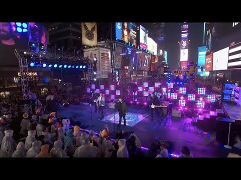Download Dan  Shay  Tequila Live on Dick Clark39s New Year39s Rockin39 Eve