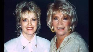 Watch Connie Smith Senses video