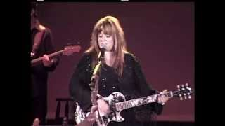 Watch Wynonna Judd Girls With Guitars video