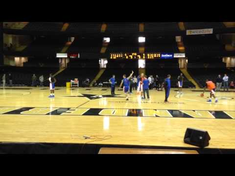 Florida Basketball: Scottie Wilbekin Trick Shot at Vanderbilt