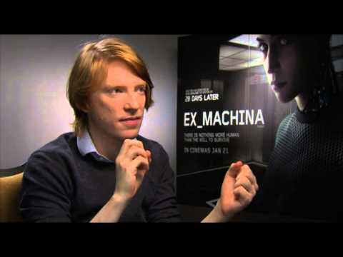 Domnhall Gleeson talks EX MACHINA, STAR WARS & WALWORTH FARCE