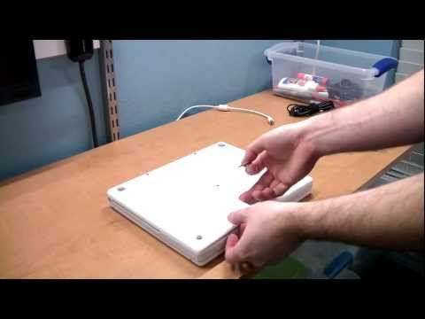 Apple iBook G4 laptop disassembly