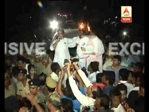 CM Mamata Banerjee gheraoed by agitated mass at Ranaghat