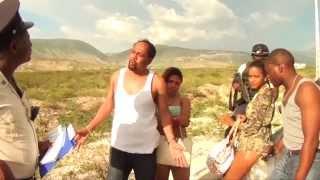VIDEO: Haiti - Policier Bicha ap Kanpe Tafyate k-ap kondi Machinn tou SOU nan Lari-a a tout boulinn