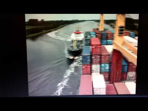 Container Ship Crash collision with tanker in Kiel Canal 2011 SHIP CRASH --video 1/2--