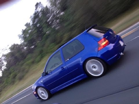 2004 Vw Golf R32  Sound driving City& highway