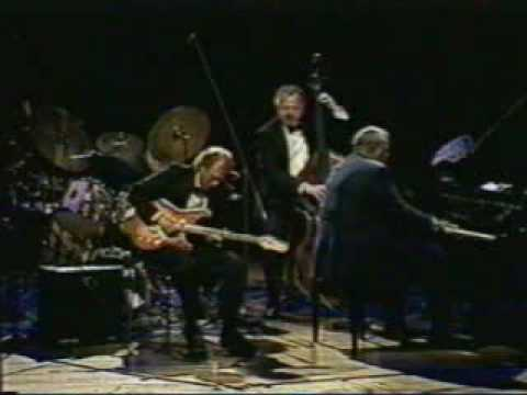 Oscar Peterson with Lorne Lofsky at the Munich Philharmonie