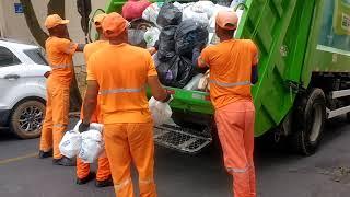 Caminhão de lixo - Lucas Coletor - 3 anos