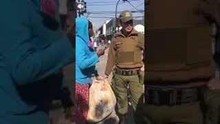 Gade Video sa - Eske La police Chili gen rezon pou fason yo trete fanm Haitienne sa?