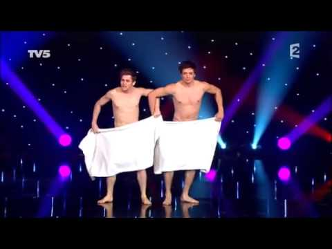 The towel dancing of Les Beaux Frères