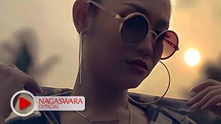 Devy Berlian PHP Pemberi Harapan Palsu Remix Version Official Music Video NAGASWARA