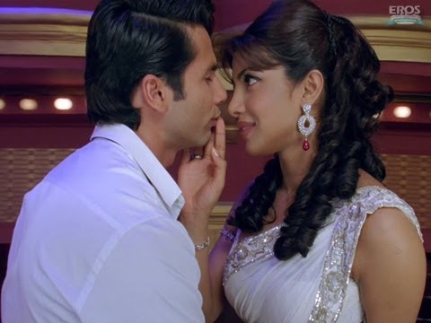 Teri Meri Kahaani -Theatrical Trailer (English Subtitles) | Priyanka Chopra | Shahid Kapoor