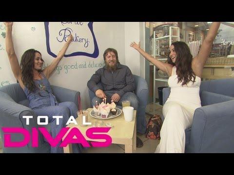 Brie and Nikki Bella celebrate Daniel Bryan's birthday: Total Divas bonus clip, August 25, 2013