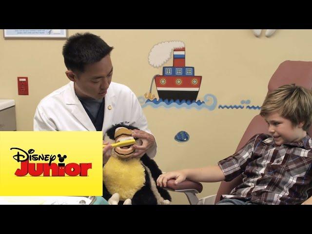 Doctora Juguetes: Escuela de Medicina entra en sesión #3