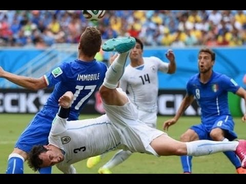 FIFA World Cup 2014:Luis Suarez in biting controversy during Uruguay World Cup game against Italy