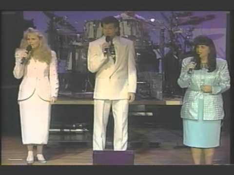 Karen Peck & New River - god Still Answers Prayer - 1994 video