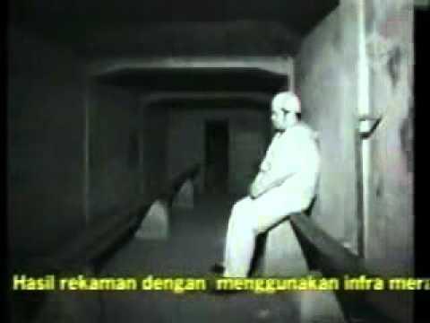 Ghost - Penampakan hantu Kuntilanak (asli bukan rekayasa) di acara Dunia Lain.3gp