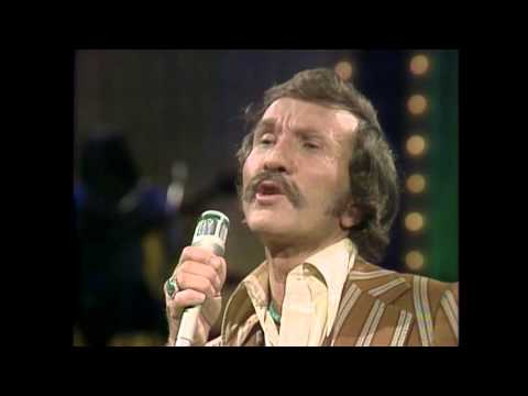 Marty Robbins - Falling Out Of Love