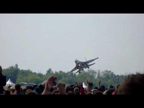 Su-35 Crazy landing
