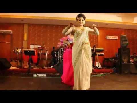 Surprise Wedding Dance In Sri Lanka 2014.wedding Of Anuranga  And  Rukmali video
