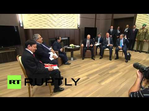 Russia: Putin meets with King of Bahrain, energy and investment discussed