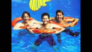 Watch Monkees Gettin In video