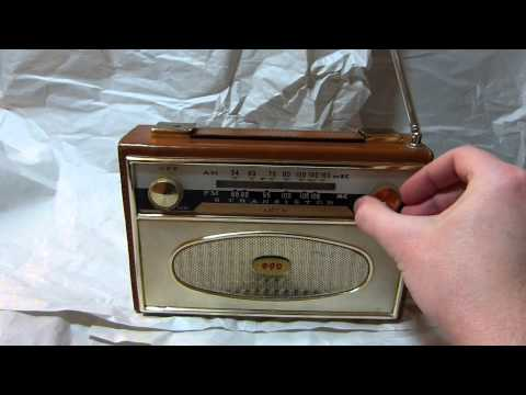 Unknown AM/FM Japanese made transistor radio