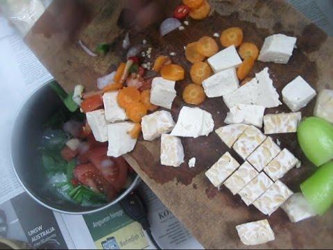 Men masak Nasi Tomat berdasarkan resep Aminah Chia Lao Shi (Thanks) BR TiVi 2433