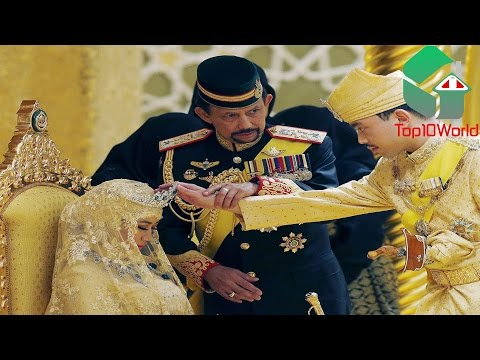 10 Richest Royal Families In The World 10. Qaboos bin Said al Said, Sultan of Oman Qaboos bin Said al Said edges Queen Elizabeth II out of the top 10 with, according to Forbes' 2011 figures,...