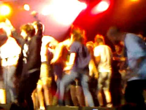 "Trash Talk - ""Lepers To Feed The Lepers"" (stage invasion) Leeds Festival 2012"