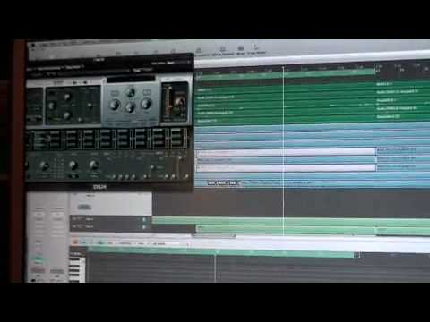 Production Tips // Just Blaze Explains Sample Chopping using LOGIC w/ EXS24 Sampler