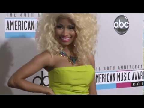 Nicki Minaj Carpet Fashion AMAs 2012
