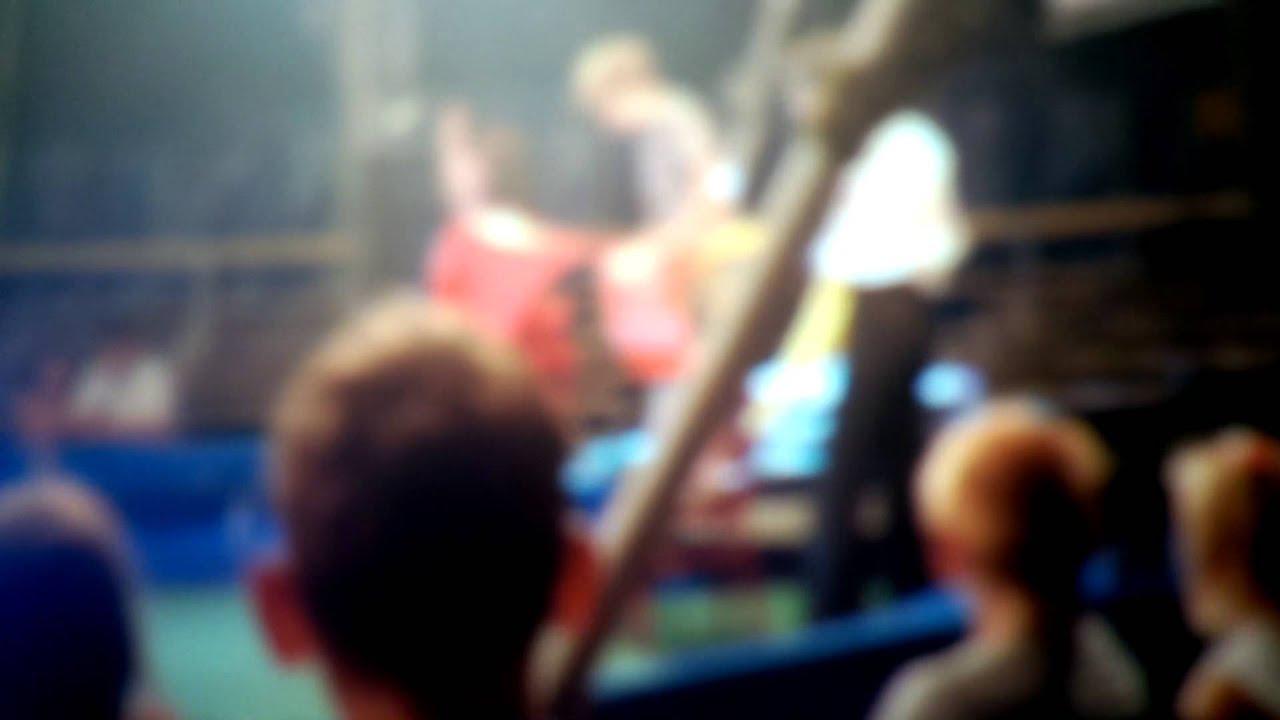 Рыжая студентка в видео от первого лица встав на колени строчит домашний минет