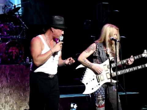 Lita Ford Close My Eyes Forever Live With Queensryche
