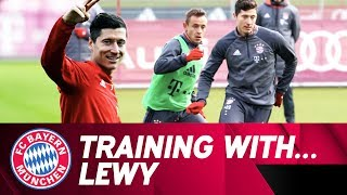 Training with Robert Lewandowski 💪 | FC Bayern