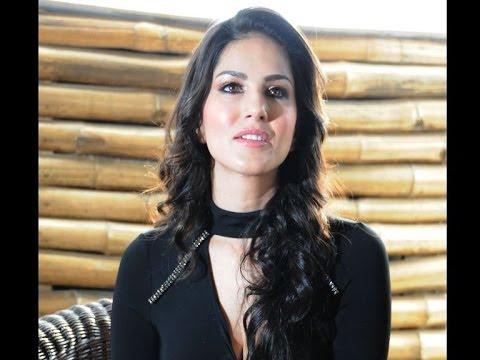 Porn star Sunny Leone's lingerie stolen ?