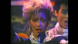 Watch Sheila E. A Love Bizarre video