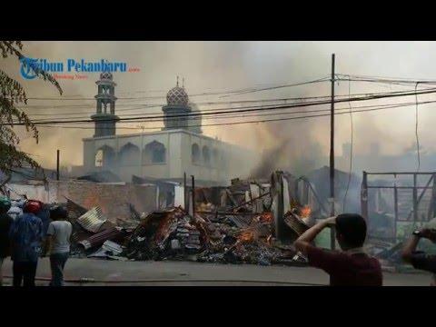 Masjid Ini Tak Tersentuh Api saat Kebakaran Hebat Melanda Permukiman di Sekitarnya