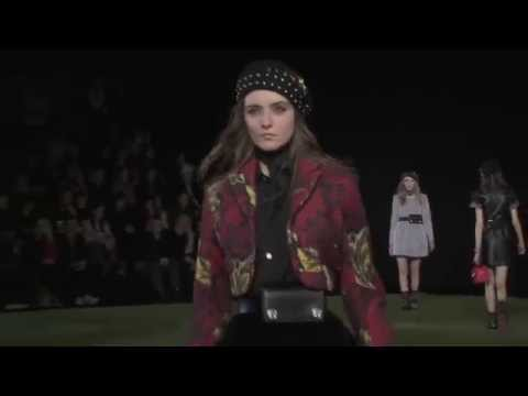 MARC BY MARC JACOBS Full Show New York Fashion Week Fall 2015 by Fashion Channel