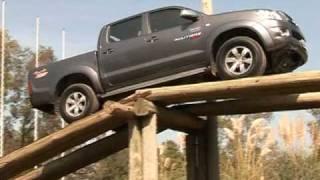 Toyota Hilux SRV Test - Routière