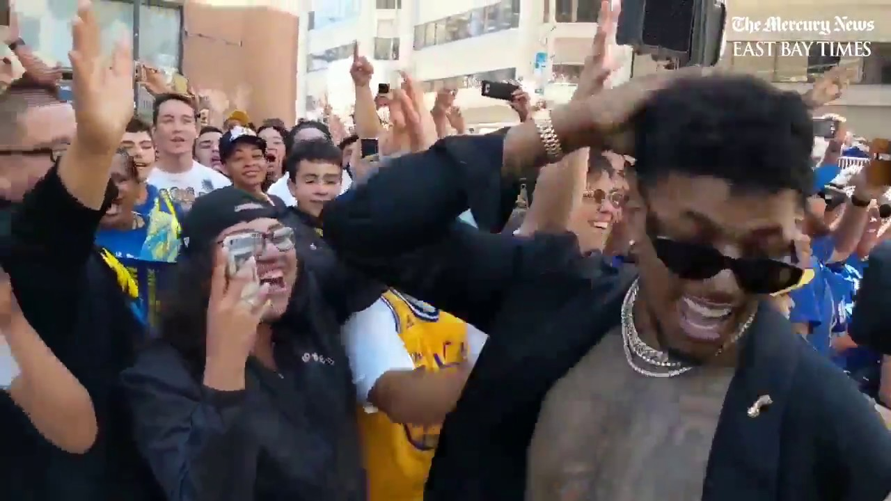 JaVale McGee, Nick Young thrill fans at the Warriors championship parade