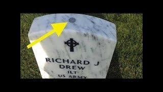 Bir Mezar Taşının Üzerinde Bozuk Para Görürseniz Ona Dokunmayın !!!